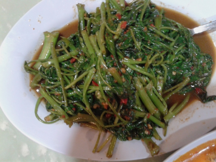 Water spinach (kancang or rau muong) cooked with sambal - spicy, chili and fish paste concoction. So good!