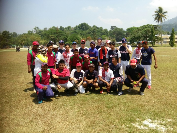 softball4
